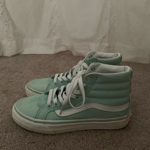 like new! vans high tops! size 6.5